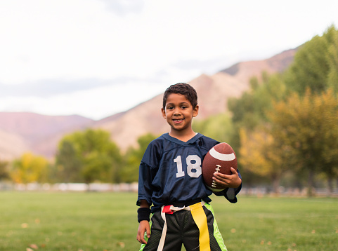 istock Young Male Flag Football Player 655979664