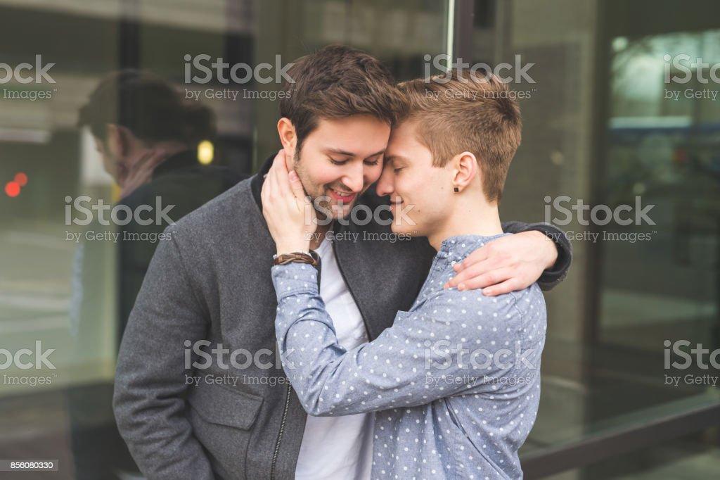 Männliches flirten