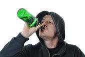 若い男性のアルコール摂取絶縁