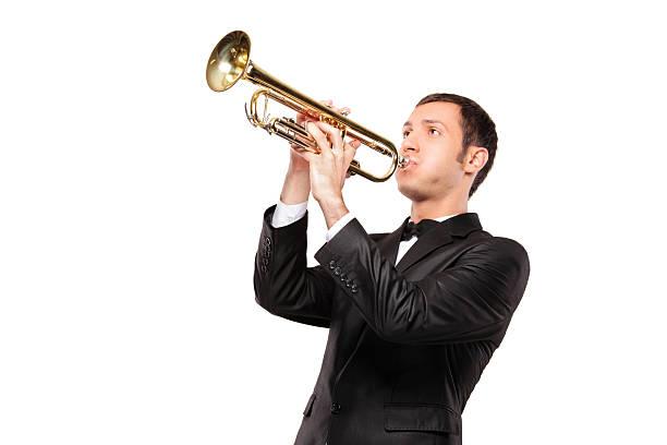 젊은 남자 검정색 어울리다 게임하기 a 나팔꽃 - 트럼펫 뉴스 사진 이미지