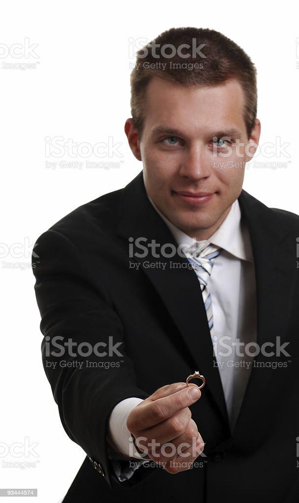 Junger Mann schlägt mit einem ring Lizenzfreies stock-foto