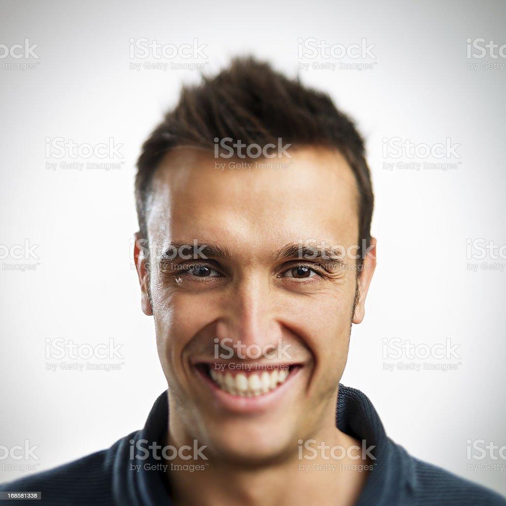 Homme Souriant jeune homme souriant – photos et plus d'images de 25-29 ans | istock