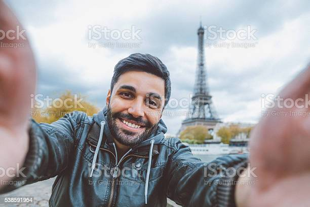 Young man taking selfie with smartphone picture id538591954?b=1&k=6&m=538591954&s=612x612&h=9lb3vrg55u82iywj11h5diq9 m2h0 hwn6f8ua3qo44=