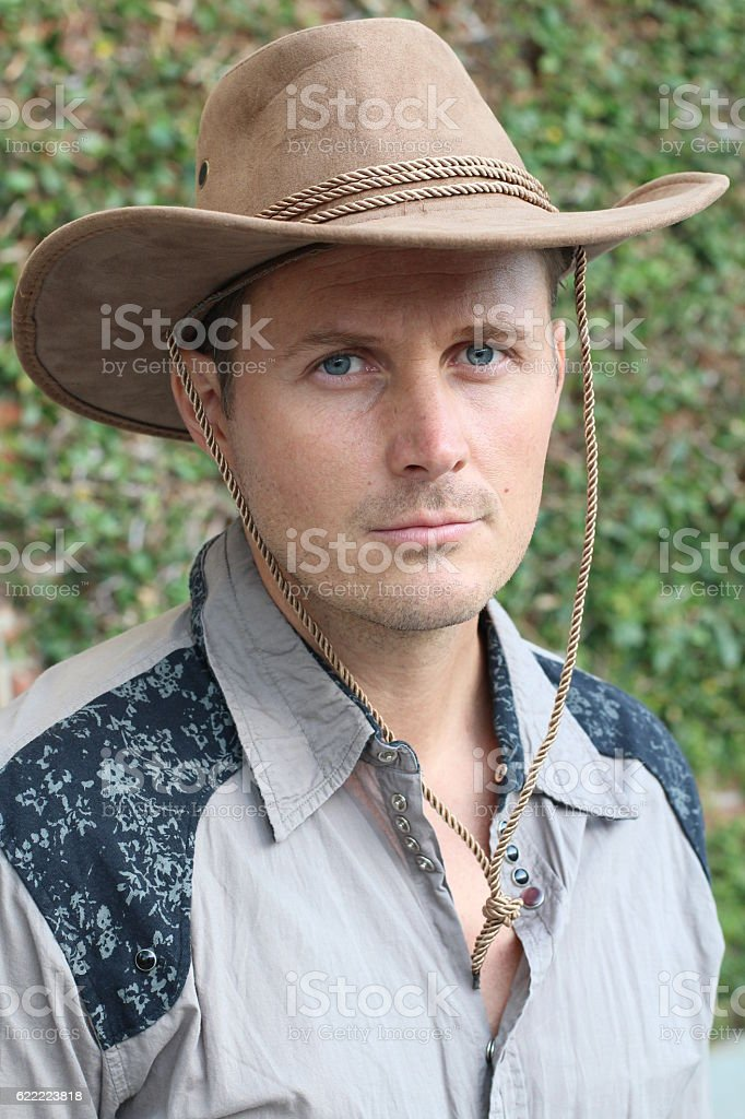 фото владимира кузьмина в ковбойской шляпе этой книге изложена
