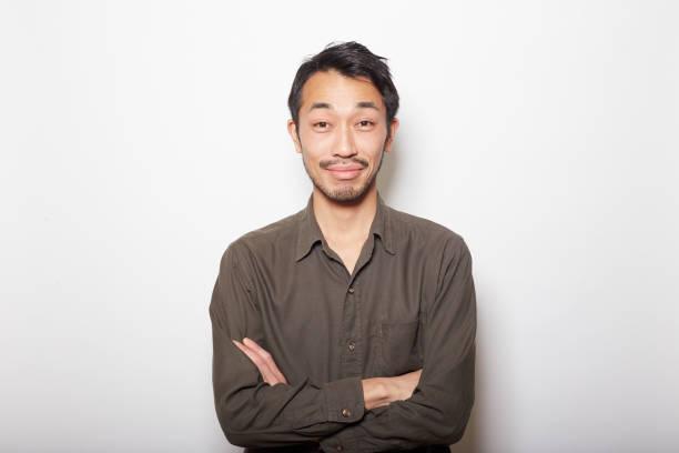 若い男性、ヒゲ - スタジオ 日本人 ストックフォトと画像