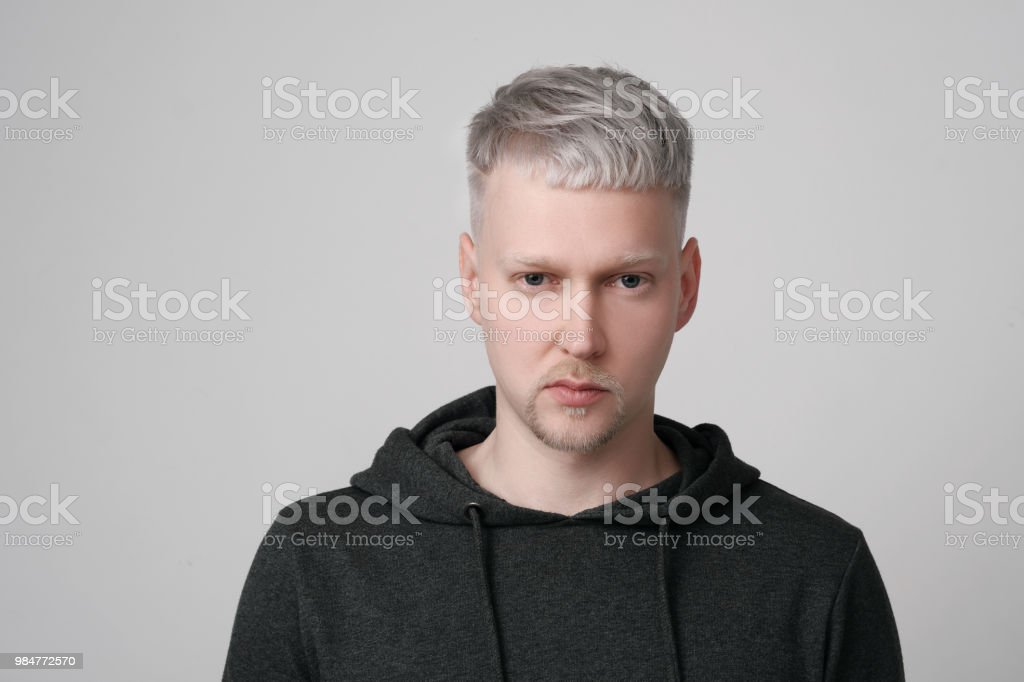 Haare färben mann Haare Blond