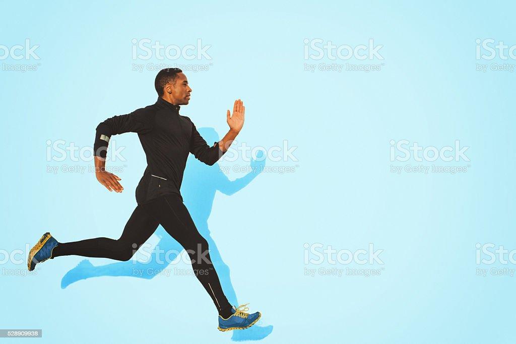 Giovane uomo muscolare per il in esecuzione - foto stock
