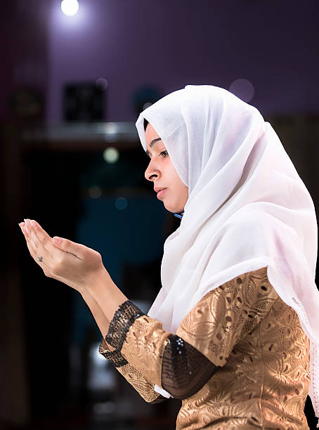 Sexy Muslim Women Pictures, Images And Stock Photos - Istock-1003