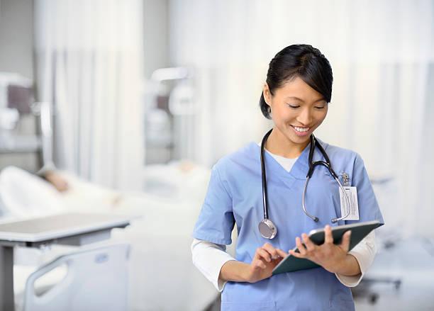 Junge Krankenschwester Arbeiten – Foto