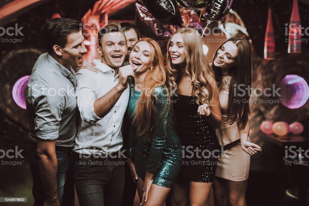 танцы для мужчин в клубе