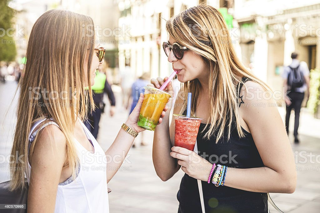 Young people enjoying Bubble Tea - CNEUFOO210 stock photo