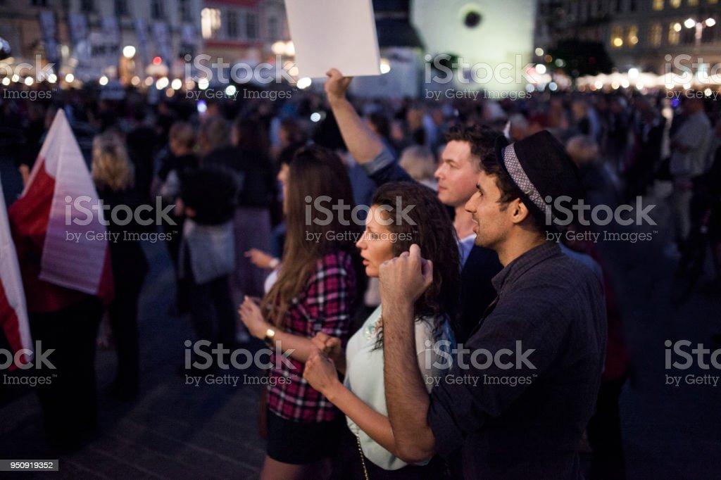Junge Menschen protestieren – Foto