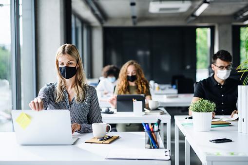 オフィスデスク|ケンズビジネス|職場問題の解決サイト