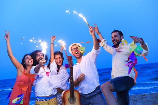 471113366 istock photo Young people with fireworks 489085308