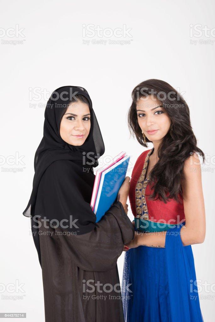 Hübsche studentinnen junge Re: Wo