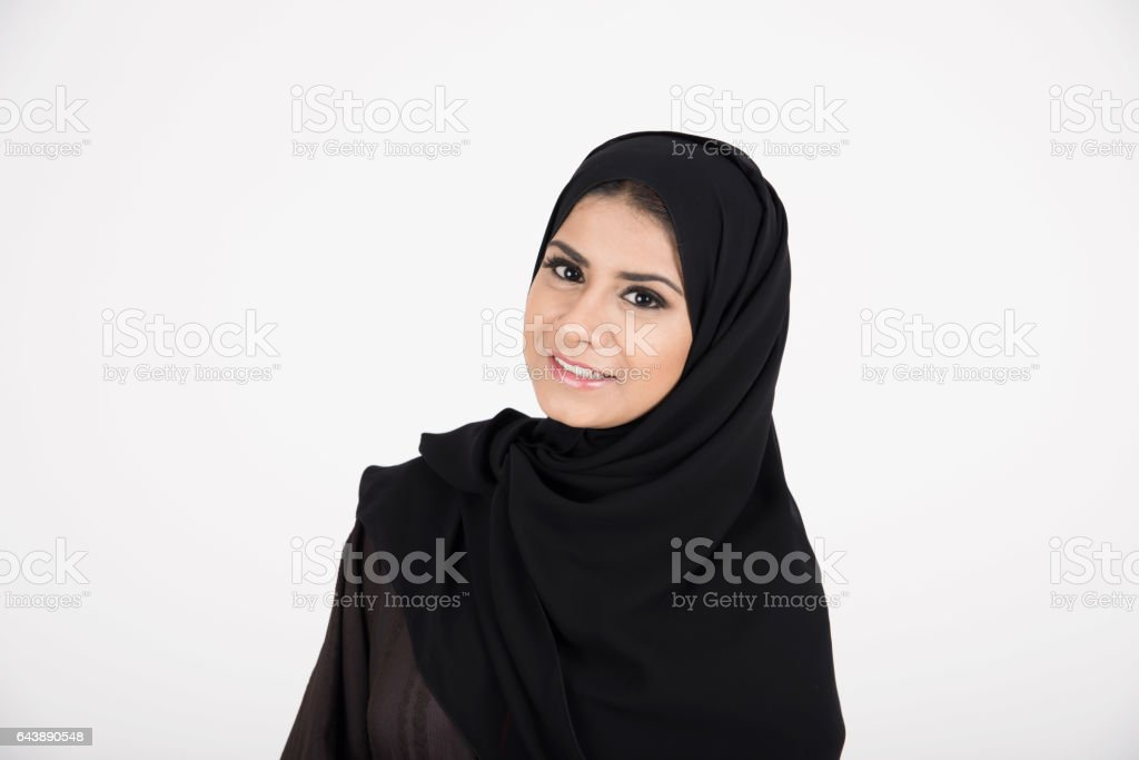 5bfbfc9e4 Joven Chica Muy Árabe Con Vestido Tradicional Foto de stock y más ...