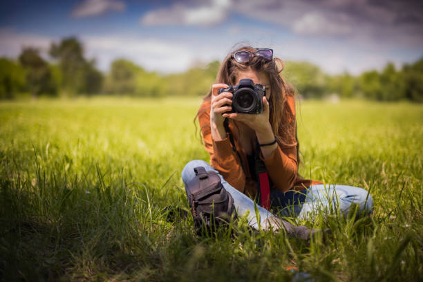 Young professional photographer shooting nature picture id688303650?b=1&k=6&m=688303650&s=612x612&w=0&h=fzkkx4nx56dqcbibmwwrfn8rdyxyfc8ude9oewi11bs=