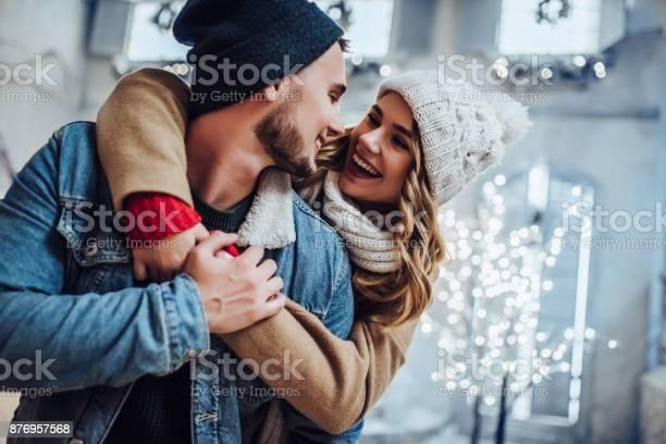 Young romantic couple is having fun outdoors in winter picture id876957568?b=1&k=6&m=876957568&s=612x612&h=n5lvvlsx7ptnkcisufegp09jahxzr uslt0adqgjvcq=
