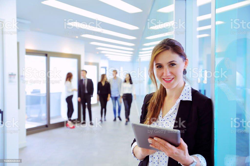 Young zufrieden Business-Frau – Foto