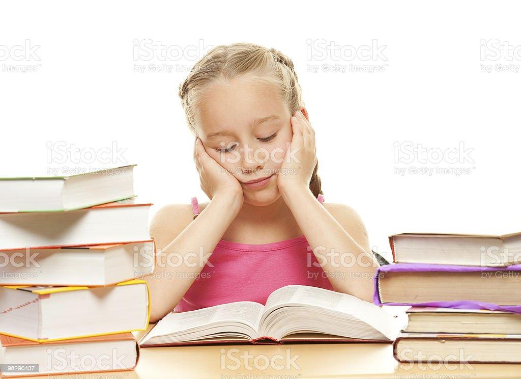 젊은 여학생 책을 읽는 royalty-free 스톡 사진