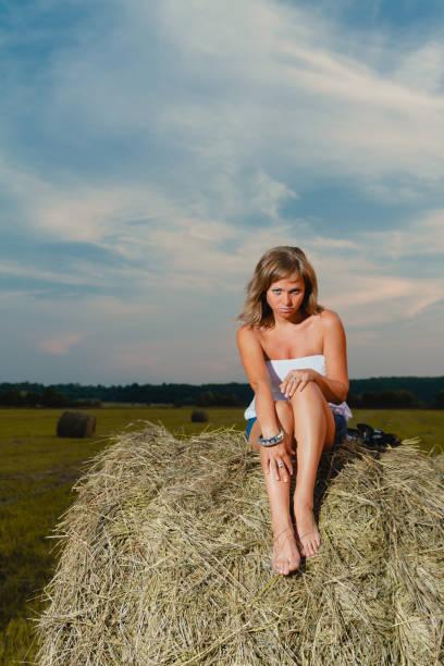 Nude women farm — img 7