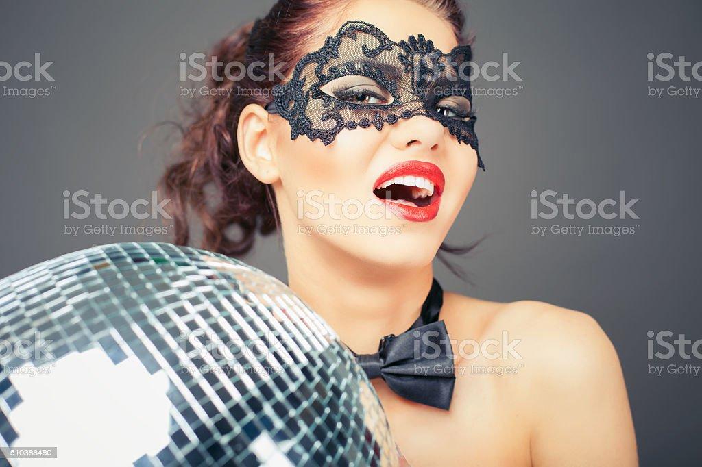 Сексуальная женщина на дискотеке