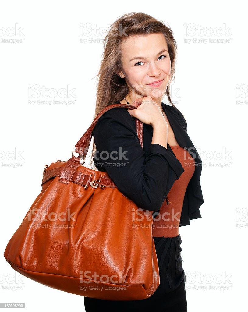 Junge lächelnde Frau mit Handtasche – Foto