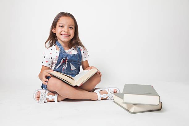 joven estudiante - regreso a clases fotografías e imágenes de stock