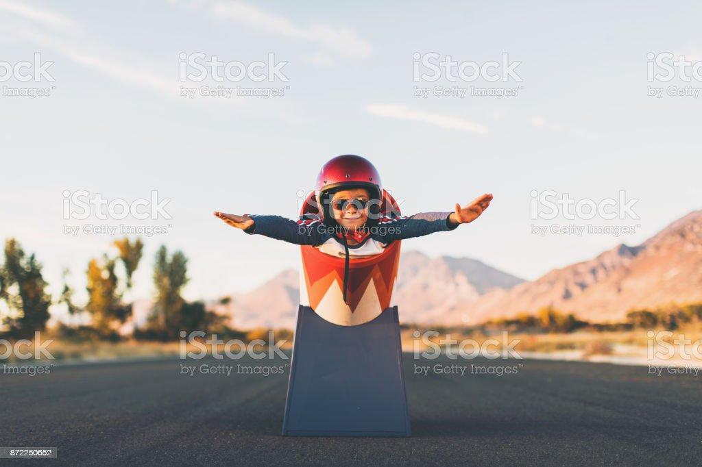 Junge Stunt Boy und menschliche Kanonenkugel – Foto