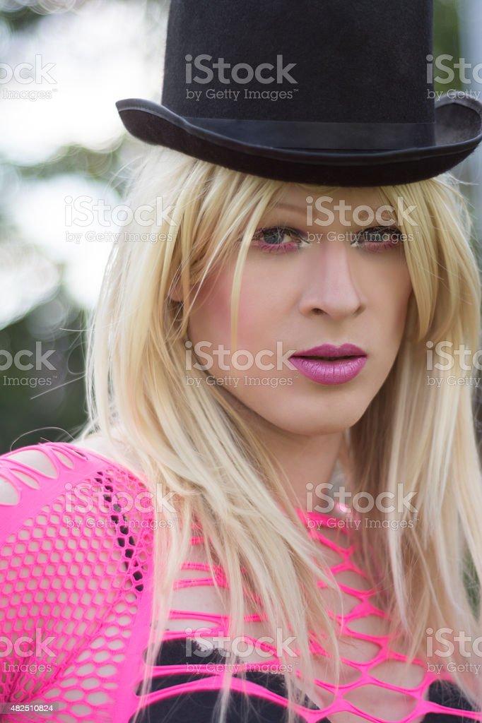 Fotografía de Transexual Joven Mujer Rubia Con Pelo Largo Al Aire ...