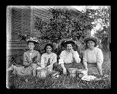 若い、ビクトリア時代の女性、食べるチェリーズ