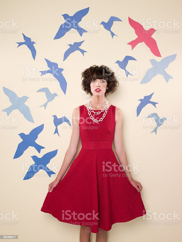 Young woman and birds royalty-free 스톡 사진
