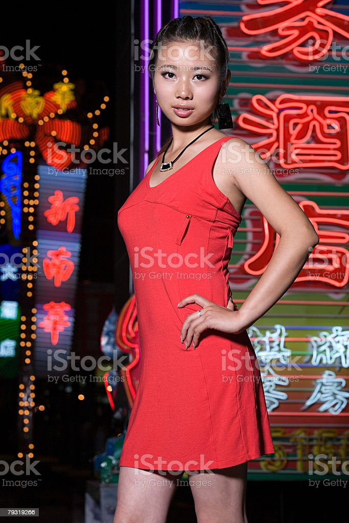 Young woman and neon lights royalty-free 스톡 사진