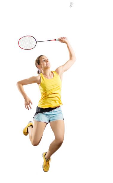 jugador de bádminton de mujer joven aislado - bádminton deporte fotografías e imágenes de stock