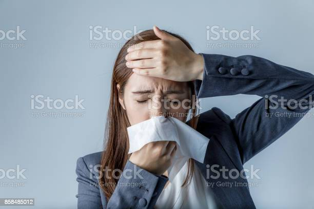 Young woman blowing her nose allergic rhinitis hay fever picture id858485012?b=1&k=6&m=858485012&s=612x612&h=jypugfcupphw vvhhnoy0wz431k5s8zcvlb6j e0xja=