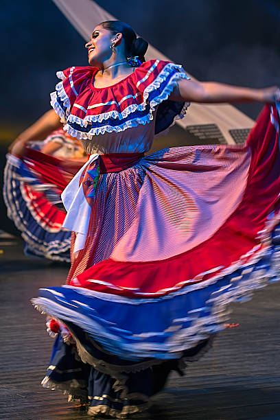 Young woman dancer from Costa Rica in traditional costume - foto de acervo