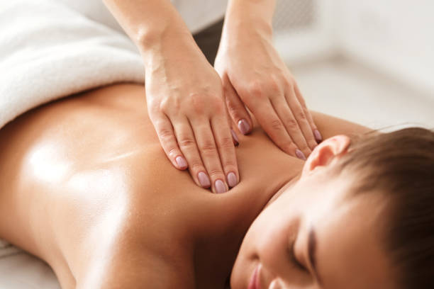66,216 Massage Therapist Stock Photos, Pictures & Royalty-Free Images -  iStock