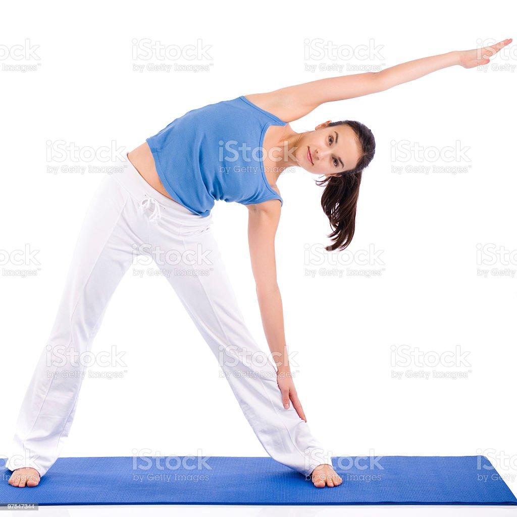 Jeune femme exercice yoga photo libre de droits