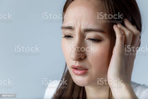 Young woman have a headache picture id858482672?b=1&k=6&m=858482672&s=612x612&h=lidgleehh3kg4o5yp3fyimrnejpu7w9pcvsjq85dwbu=