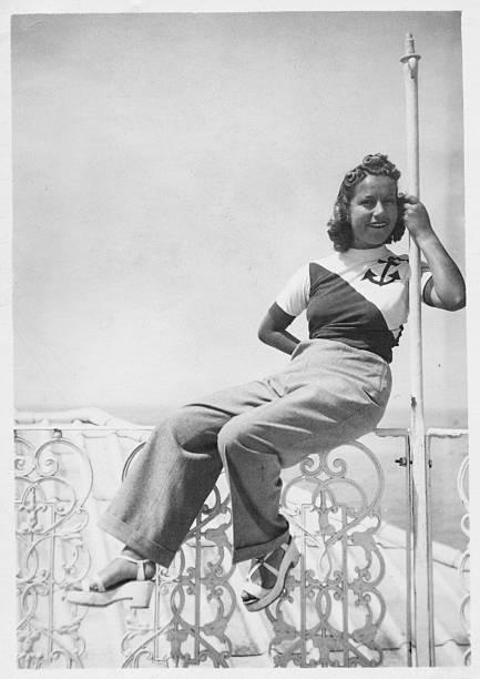 Young woman in 1935 picture id471182035?b=1&k=6&m=471182035&s=612x612&w=0&h=e8k7l2dljvvz30m8x97e7zbkmfgiwi7mzqg hxdxuty=