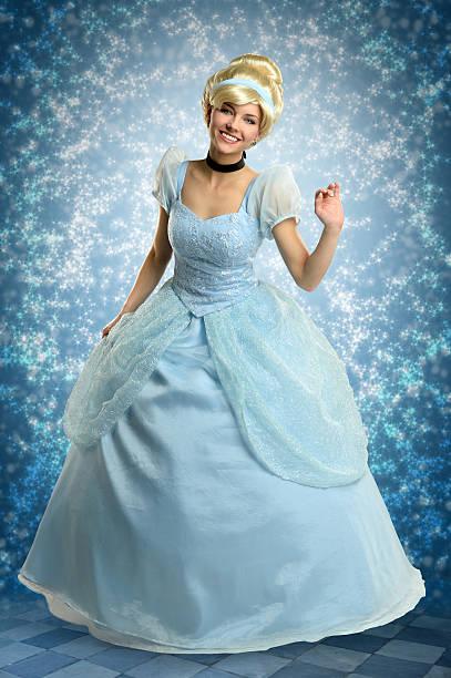 Young woman in princess outfit picture id501398942?b=1&k=6&m=501398942&s=612x612&w=0&h=ewqsctlfgmdlldymha1p ugp02zk 8vles1e9uohk9y=