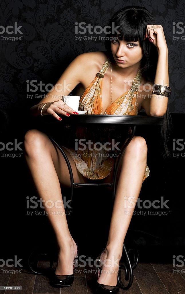 젊은 여자 카페에서 royalty-free 스톡 사진