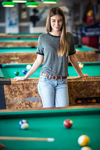 babes-skirts-blonde-pool-table-video