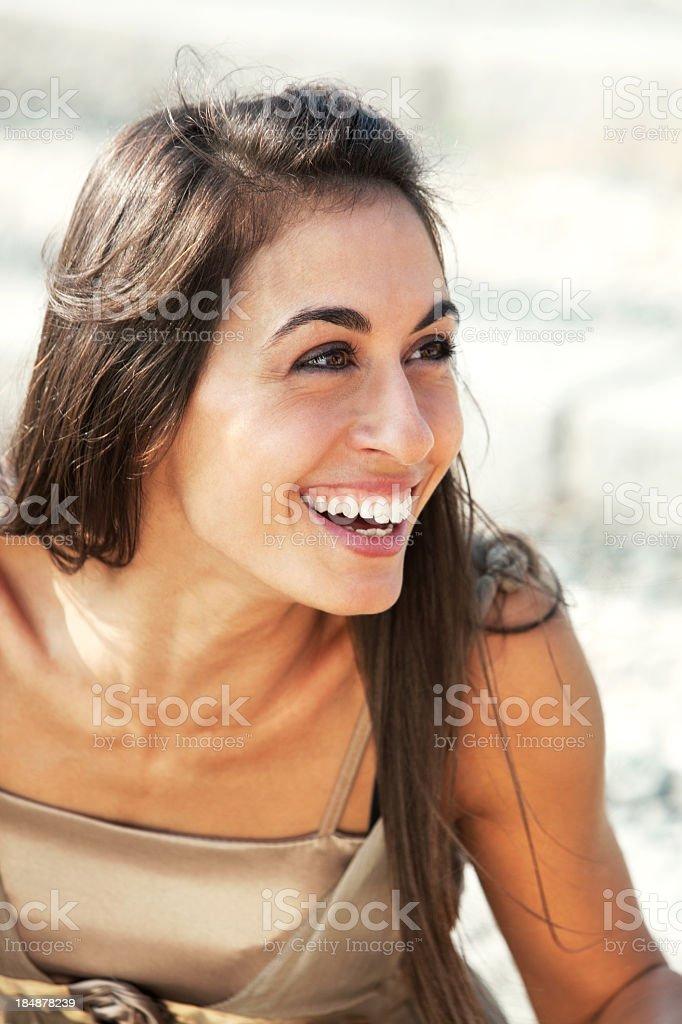 junge Frau lacht – Foto