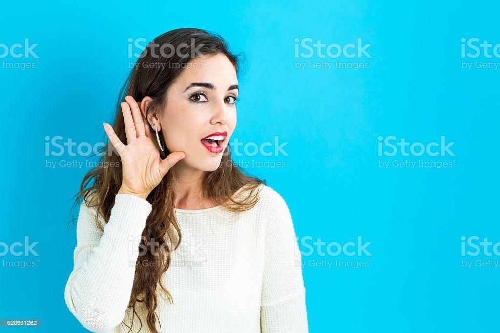 Junge Frau listening – Foto