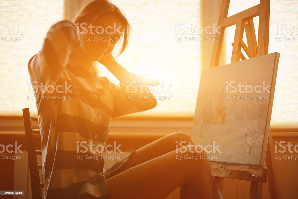 Droit Paysage Femme Près La Libre Photo Jeune Peinture De WHE9ID2