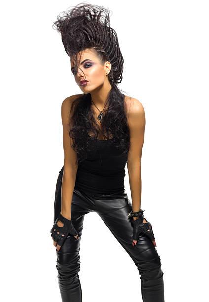 young woman rock musician - ausgefallene mode für mollige stock-fotos und bilder