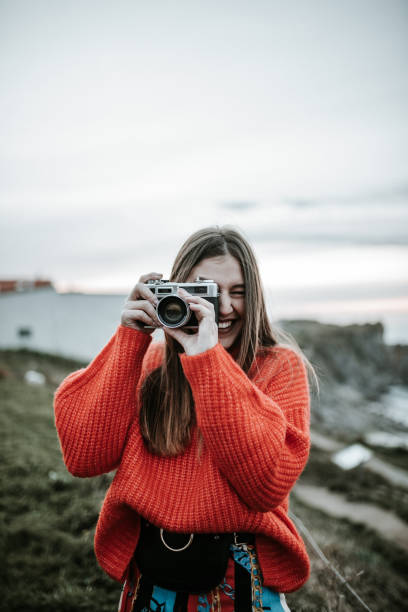 Young woman using a vintage camera picture id1127153369?b=1&k=6&m=1127153369&s=612x612&w=0&h=m2r0rbnb ekz4hsbsqaxikfkgf paj8hvkgjwielbga=