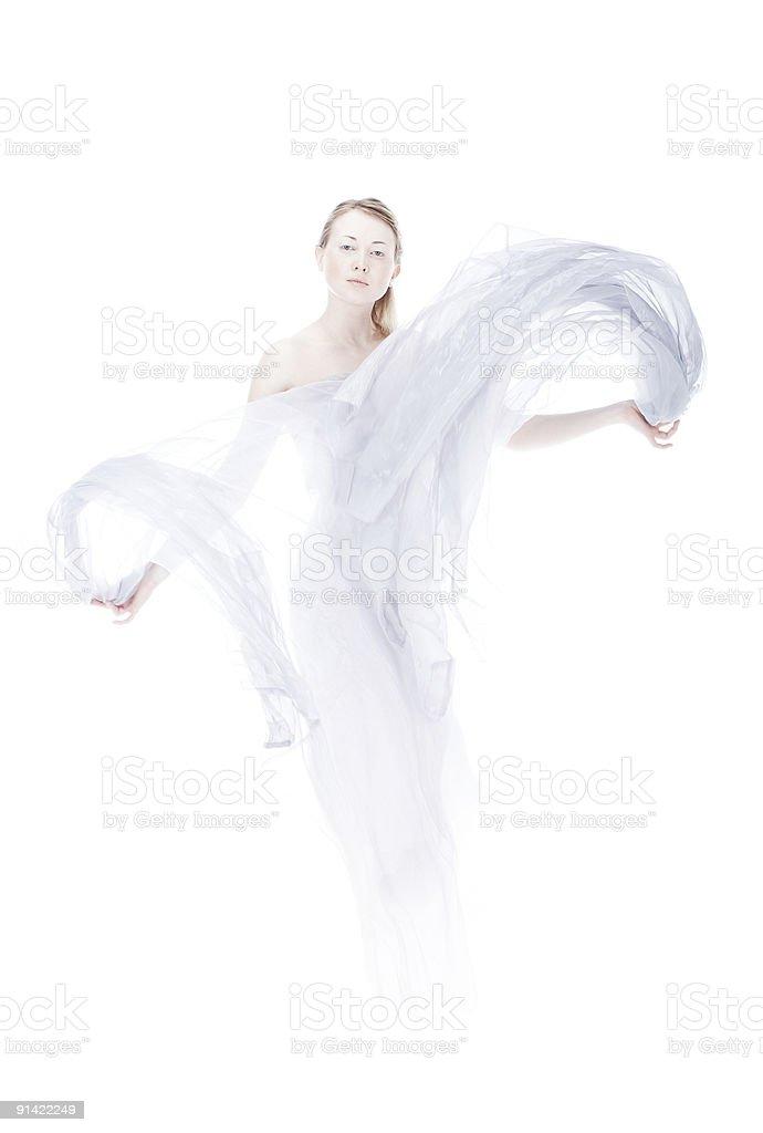 Junge Frau, die durch leichte Gewebe winken über weiße high key - Lizenzfrei Geist Stock-Foto