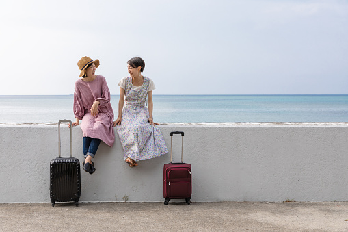 A young woman who enjoys traveling in Okinawa